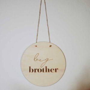 """Ξύλινο διακοσμητικό""""Big Brother"""" από την Pastel Kate"""